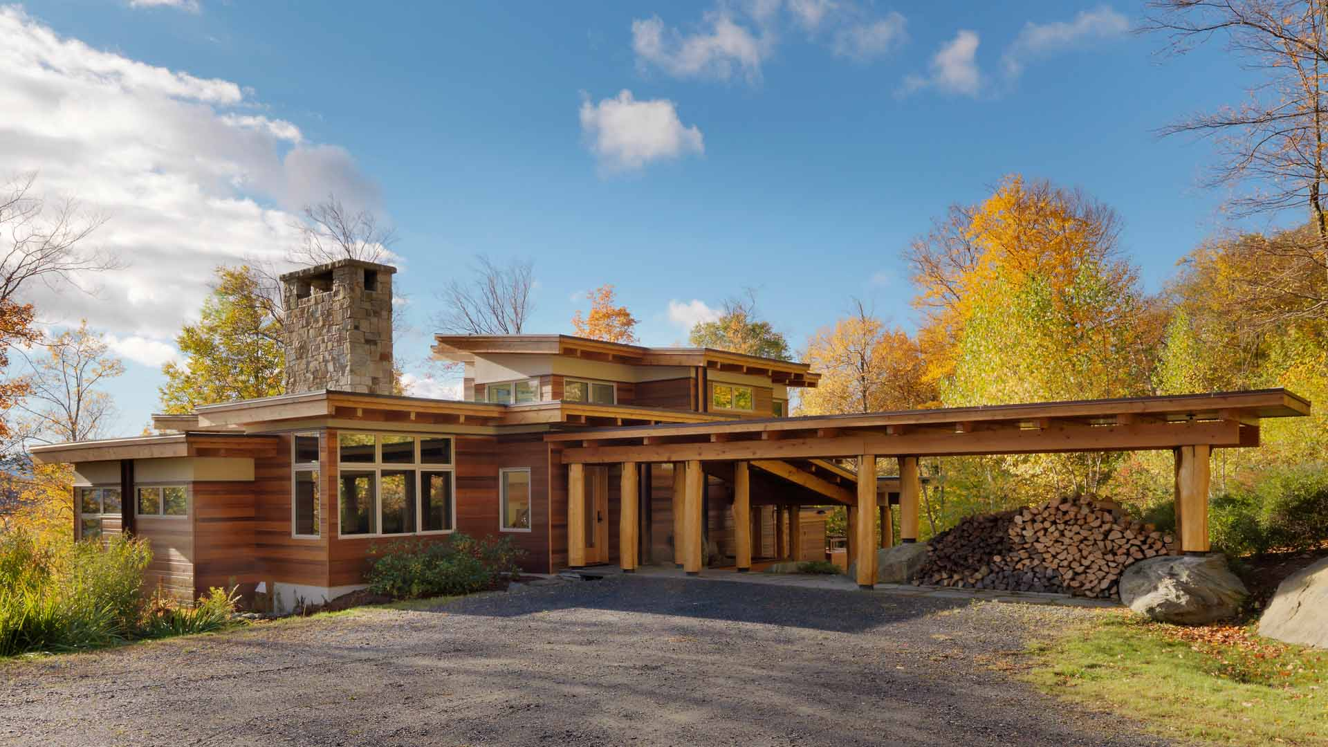 Architecture and design of Mountainside Residence - Warren, Vermont